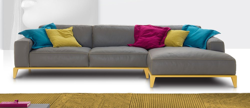 Italian leather sofa By Nicoline Modern Furniture Toronto